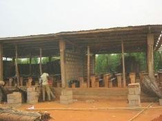 Schulgebäude im Bau